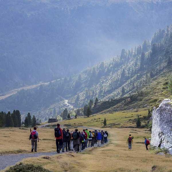 Das Publikum wandert mit - Wandertheater Friedl Vent Ötztal