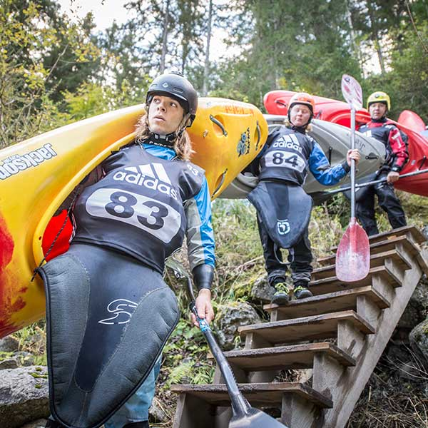 Kayaker auf Stiege - adidas Sickline, Ötz, Ötztal, Tirol