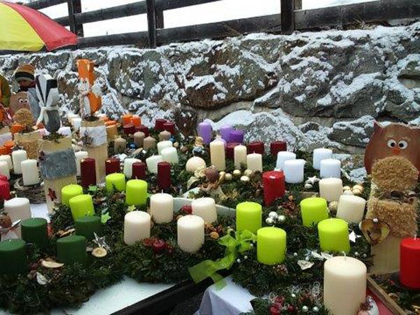 Christkindlmarkt Heiligkreuz Adventkränze