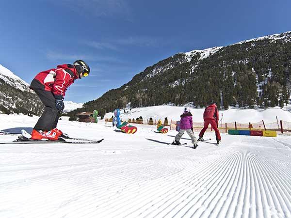 Kinderskikurs in Vent - Die kleinen Skigebiete im Ötztal