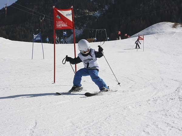 Kinderskirennen in Niederthai - Die kleinen Skigebiete im Ötztal