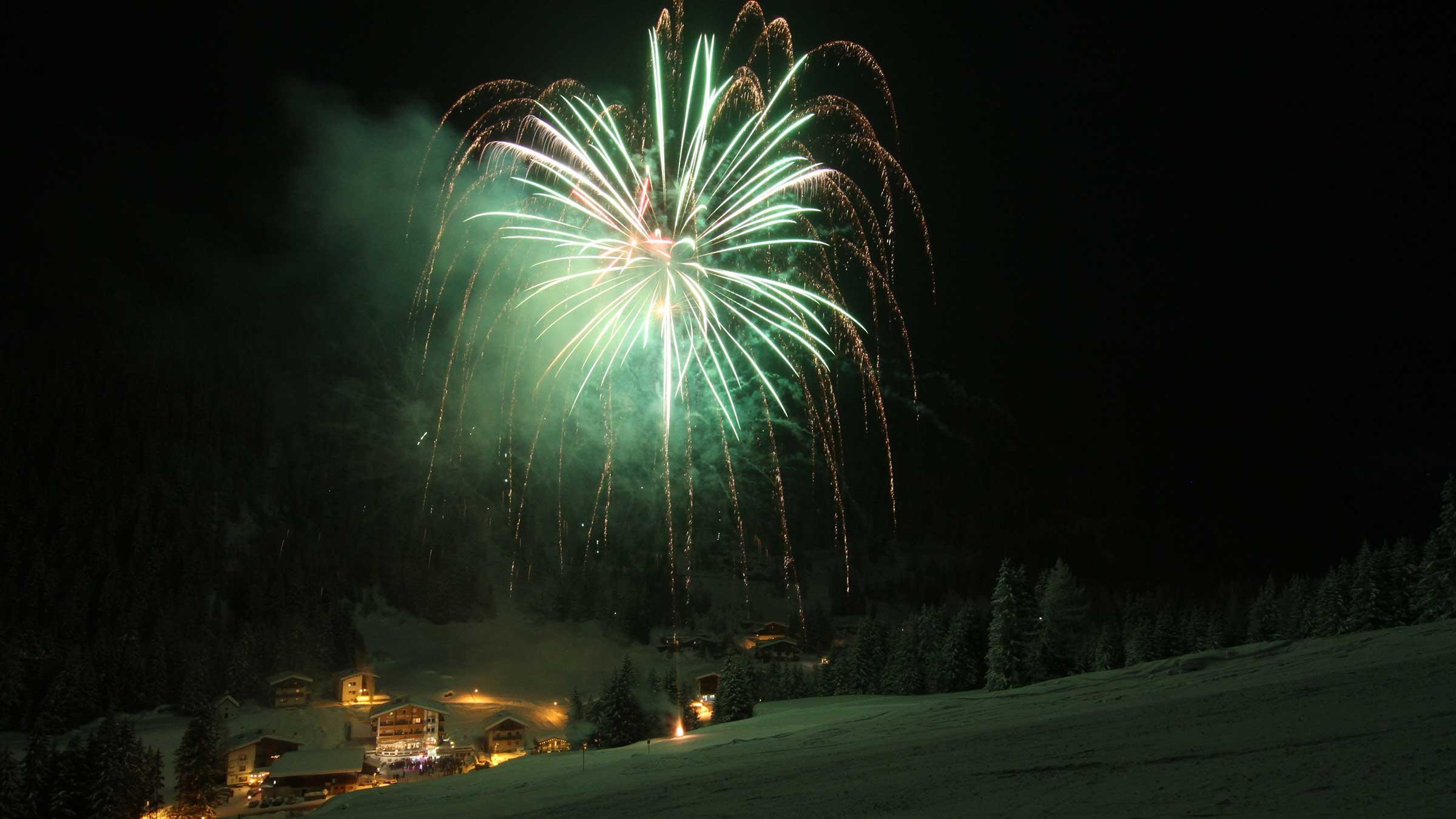 Feuerwerk über Ochsengarten - Weihnachtsurlaub im Ötztal