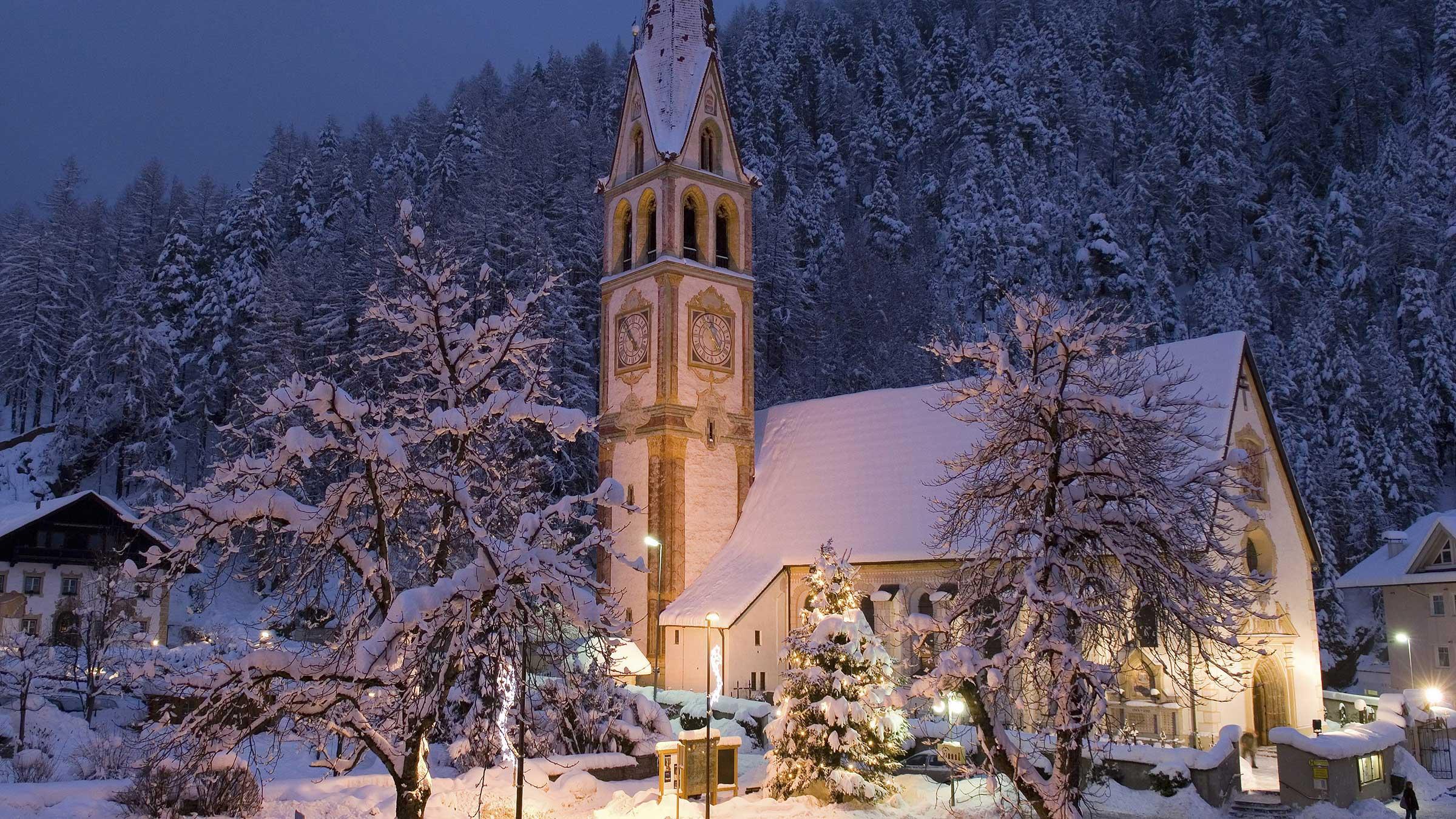 Pfarrkirche Längenfeld - Weihnachtsurlaub im Ötztal