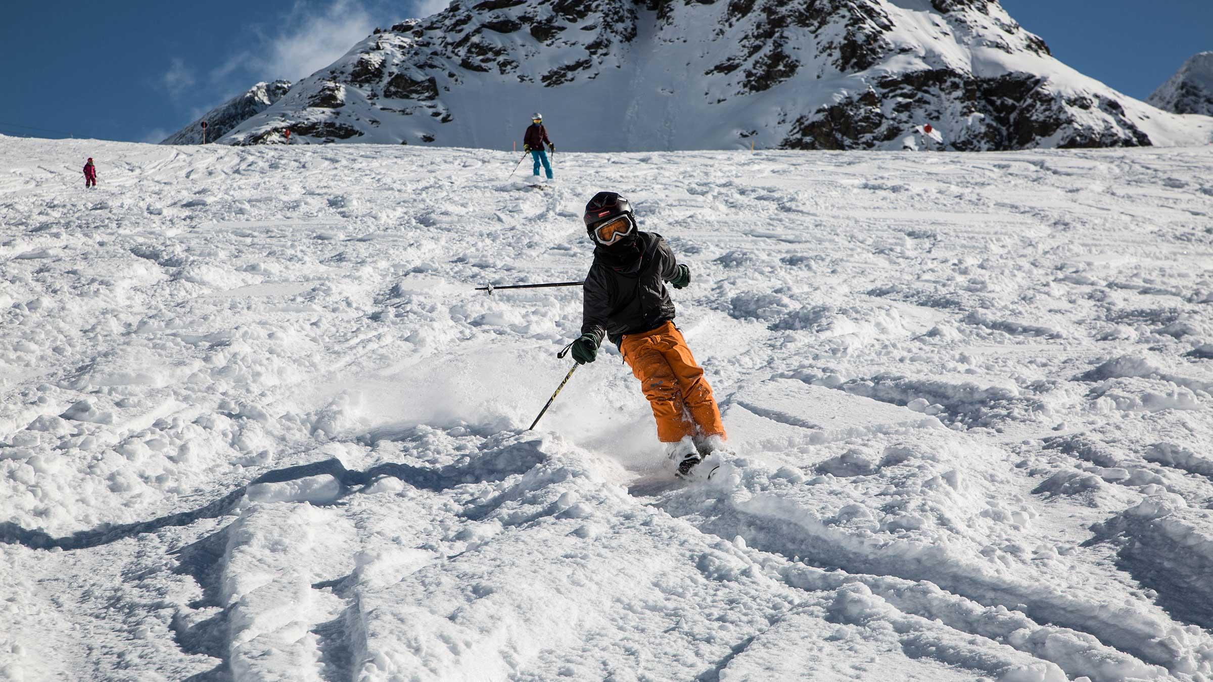 Kind im Tiefschnee - Kühtai - Skiregion Hochoetz - Kühtai
