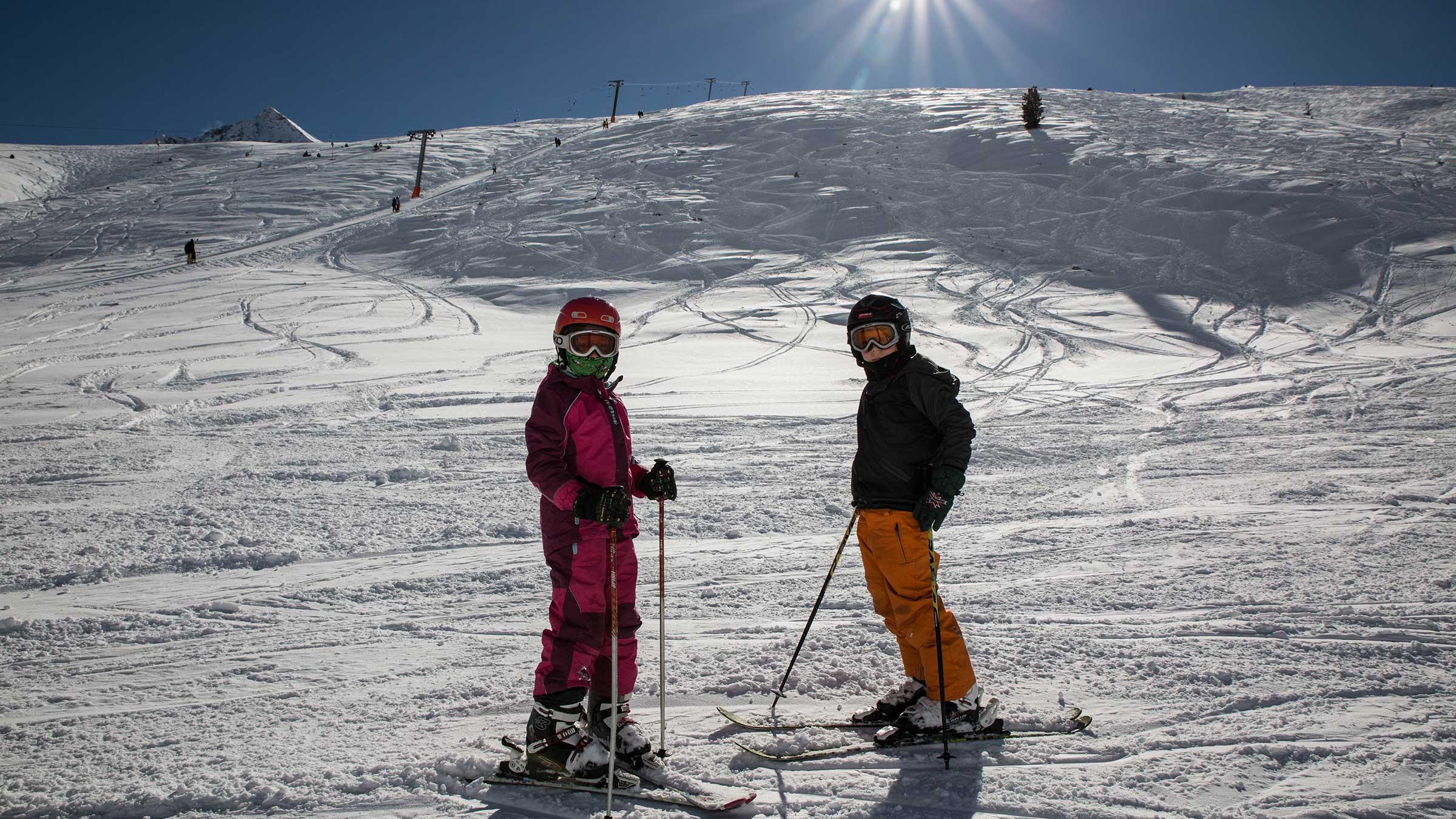 Kinder auf Skipiste - Skiregion Hochoetz - Kühtai