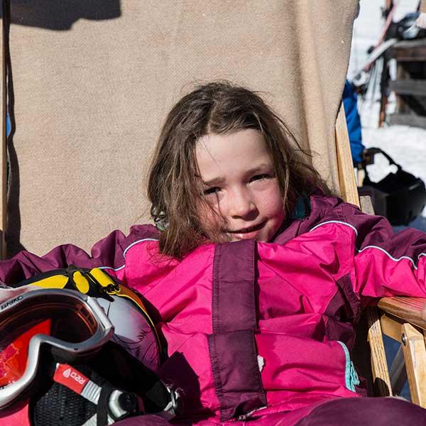 Kind im Liegestuhl - Skiregion Hochoetz - Kühtai