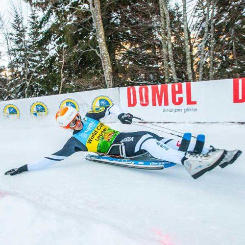 Thomas Kammerlander in Kurvenlage - Naturbahnrodel Weltcup Finale Grantau