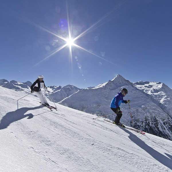 Skifahrer in Vent - Ostern Ötztal