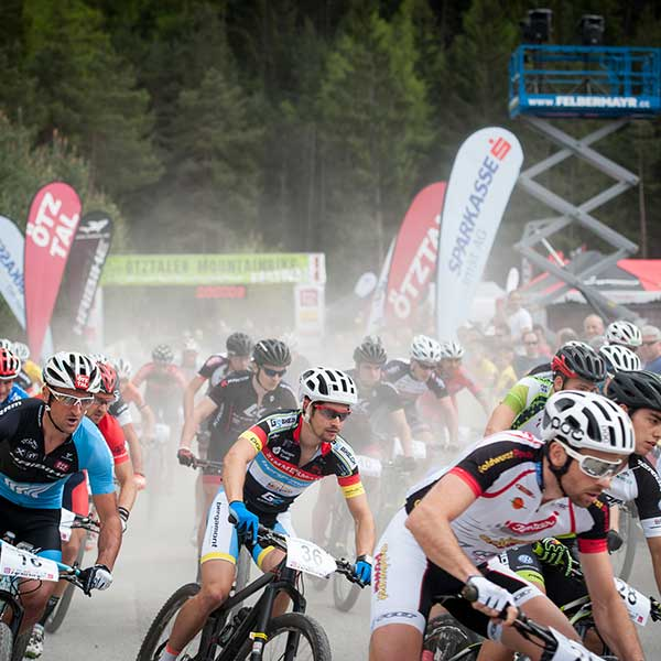 Start der Elite-Herren - Ötztaler Mountainbike-Festival