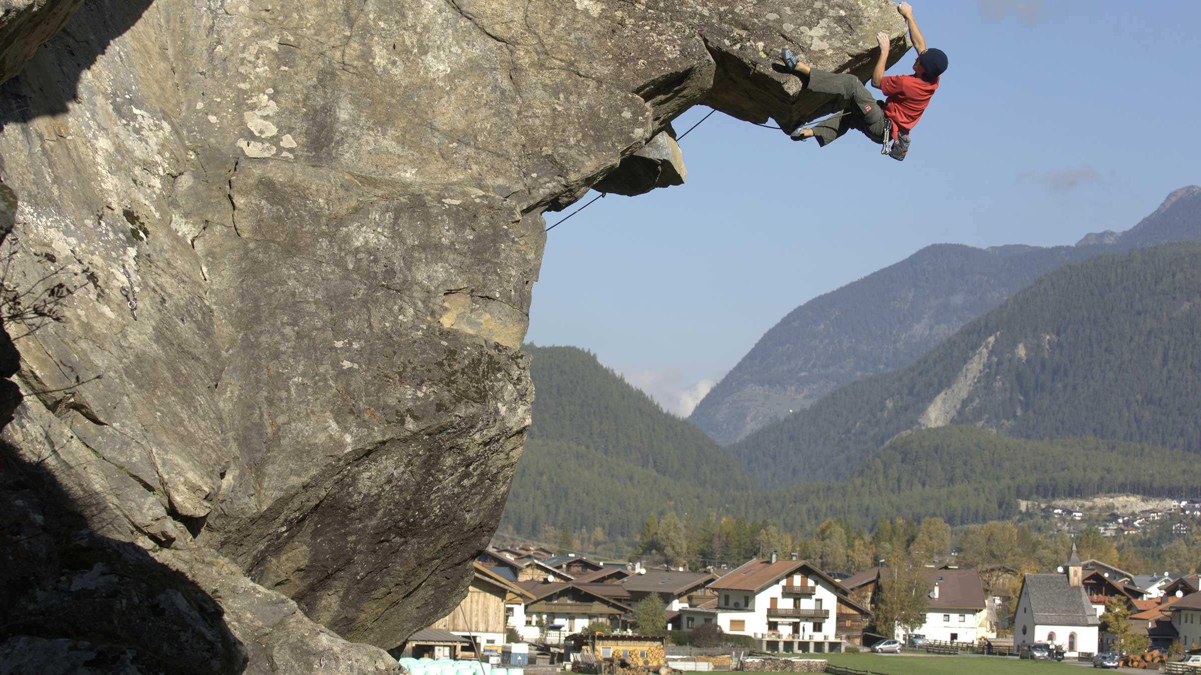 David Lama beim Klettern in Längenfeld - Tirol Klettern