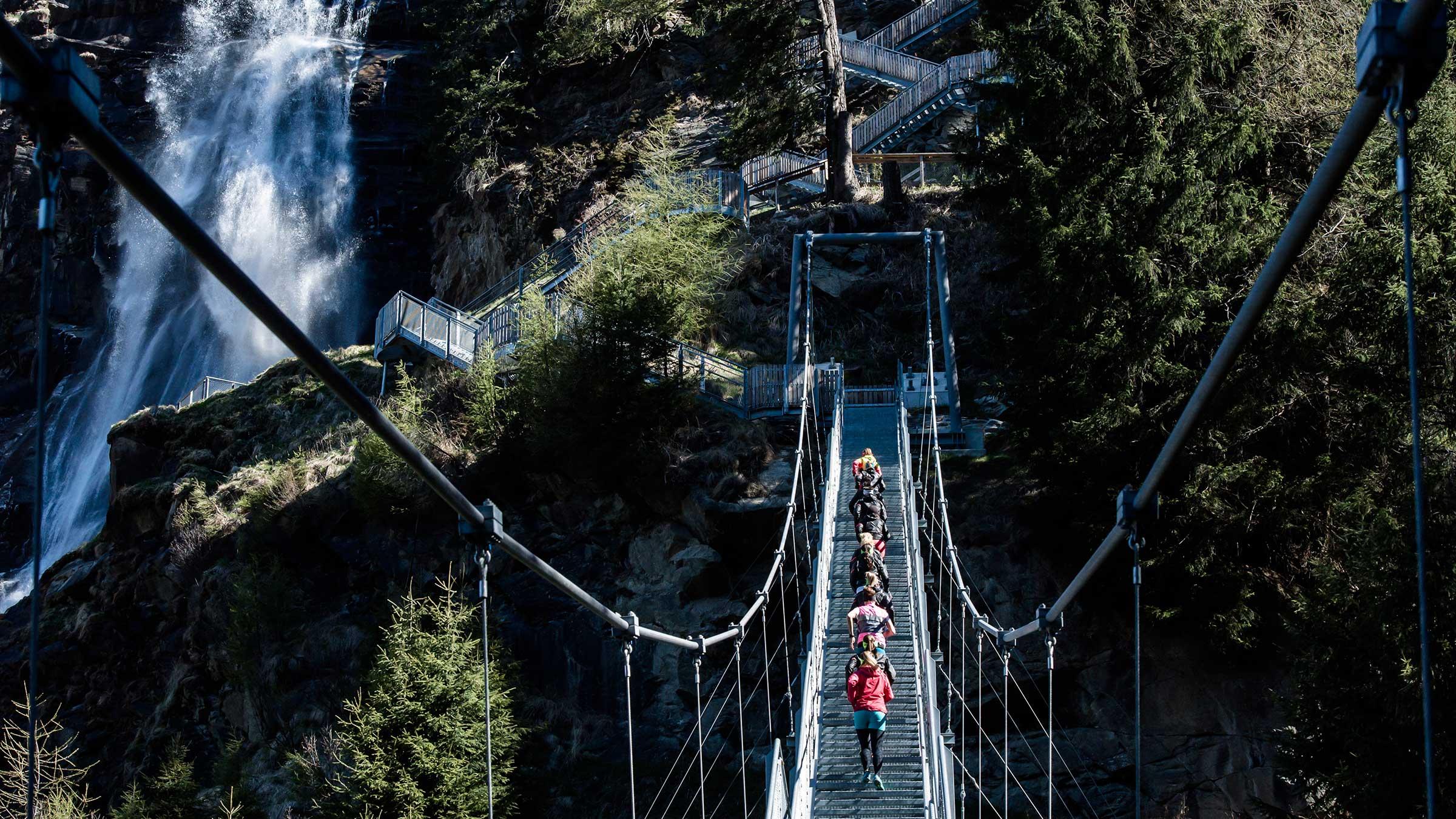 Trailrunning an der Hängebrücke am Stuibenfall - Trailrunning