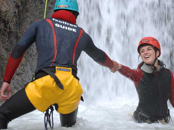 oetztal-rechteck-canyoning-guide-und-kunde-600x450
