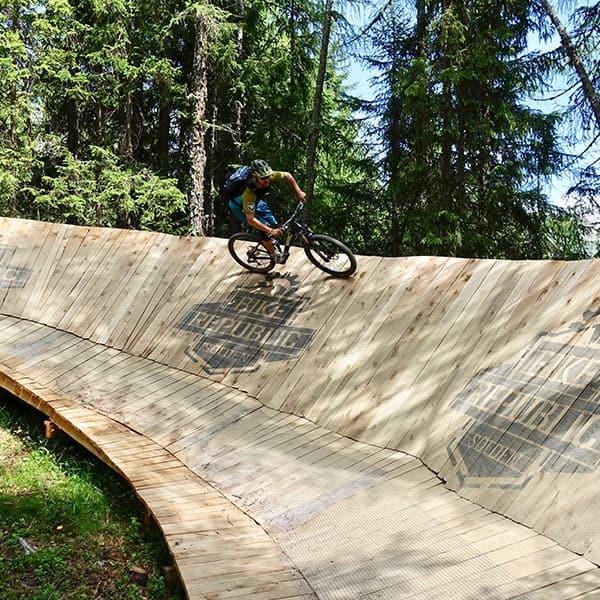 oetztal-quadrat-bikerepublic-line-trainer-600x600