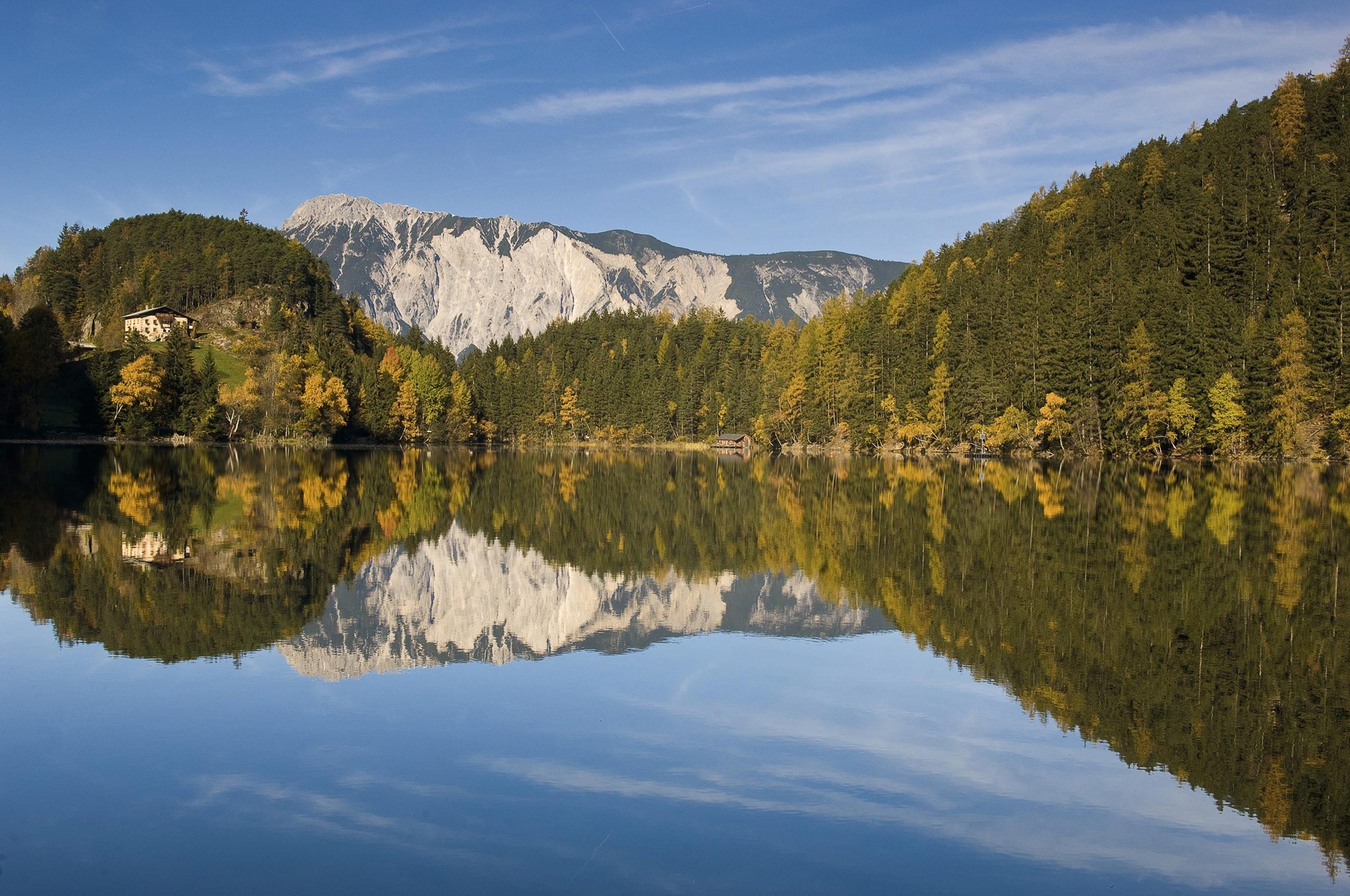 Piburgersee im Herbst - Herbst im Ötztal