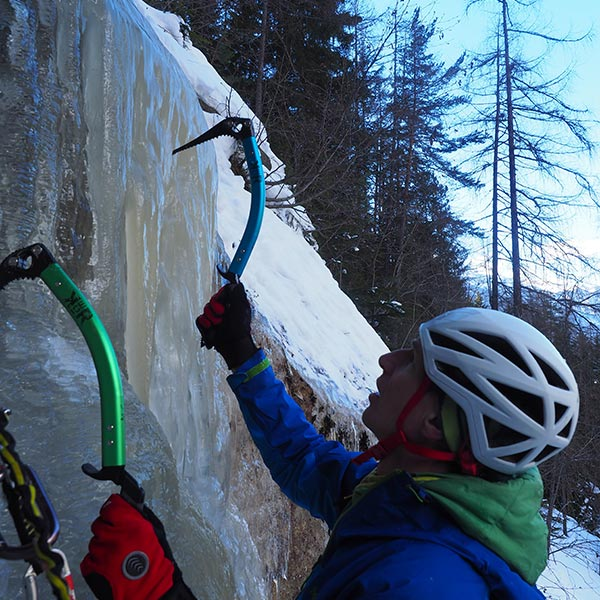 Die letzten Meter für den Vorsteiger - Eisklettern Ötztal