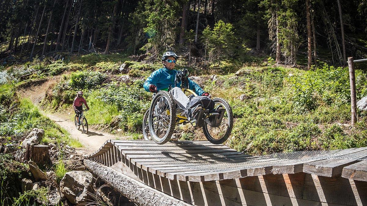 Rollstuhlfahrer auf Teäre Line - Urlaub Rollstuhl