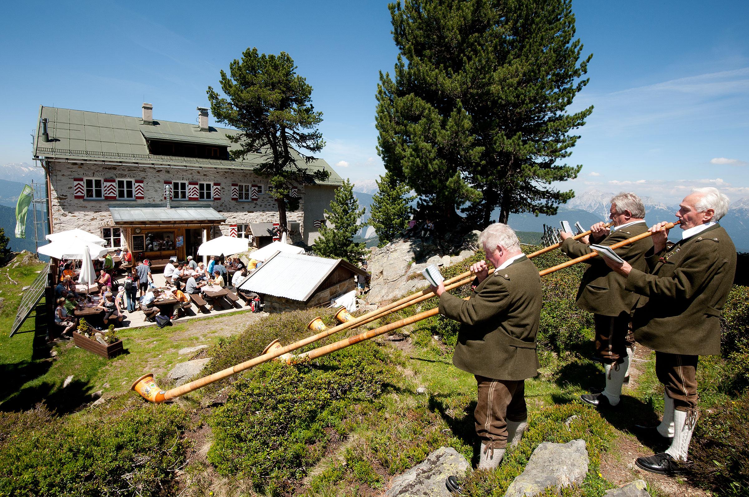 Alphornbläser an der Bielefelder Hütte - Alphorntreffen Hochoetz Ötztal