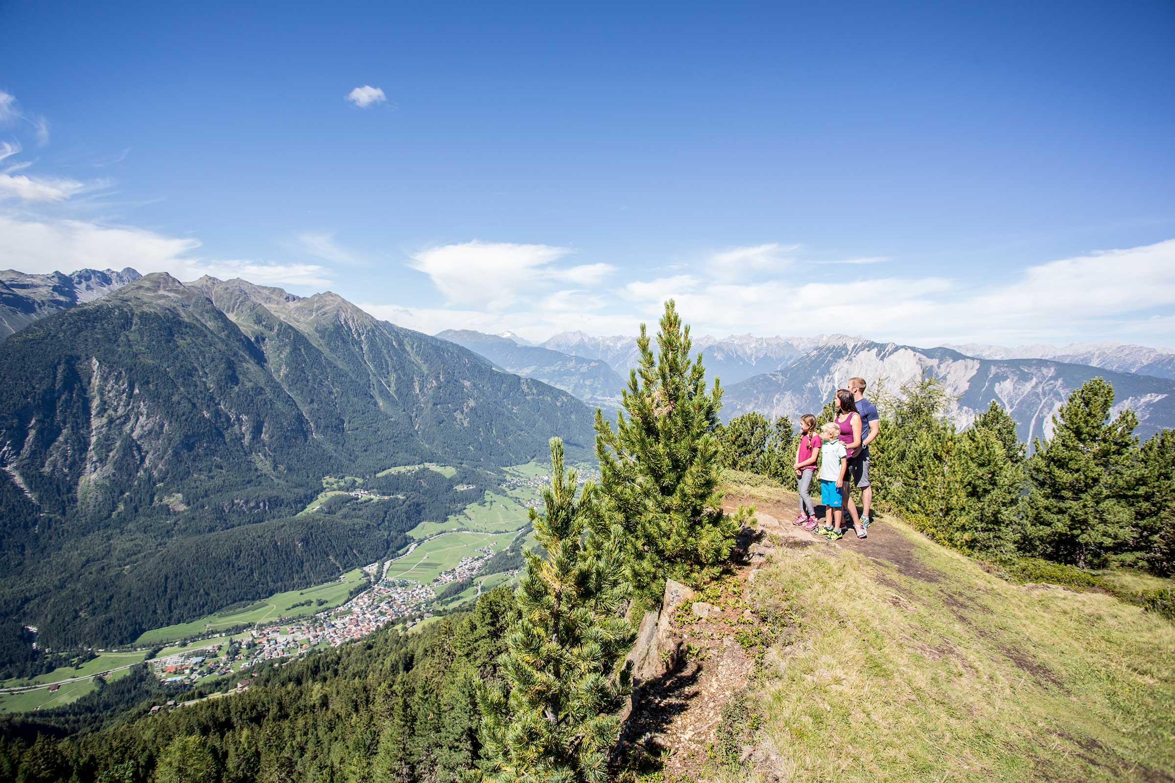 Familienwandern in Hochoetz - Digitale Wandernadeln sammeln