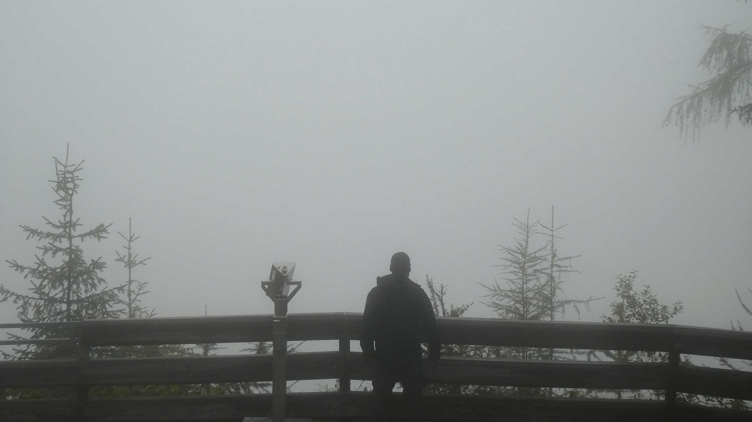 Am Stuibenfall bei Nebel - Unterwegs auf dem Ötztaler Urweg