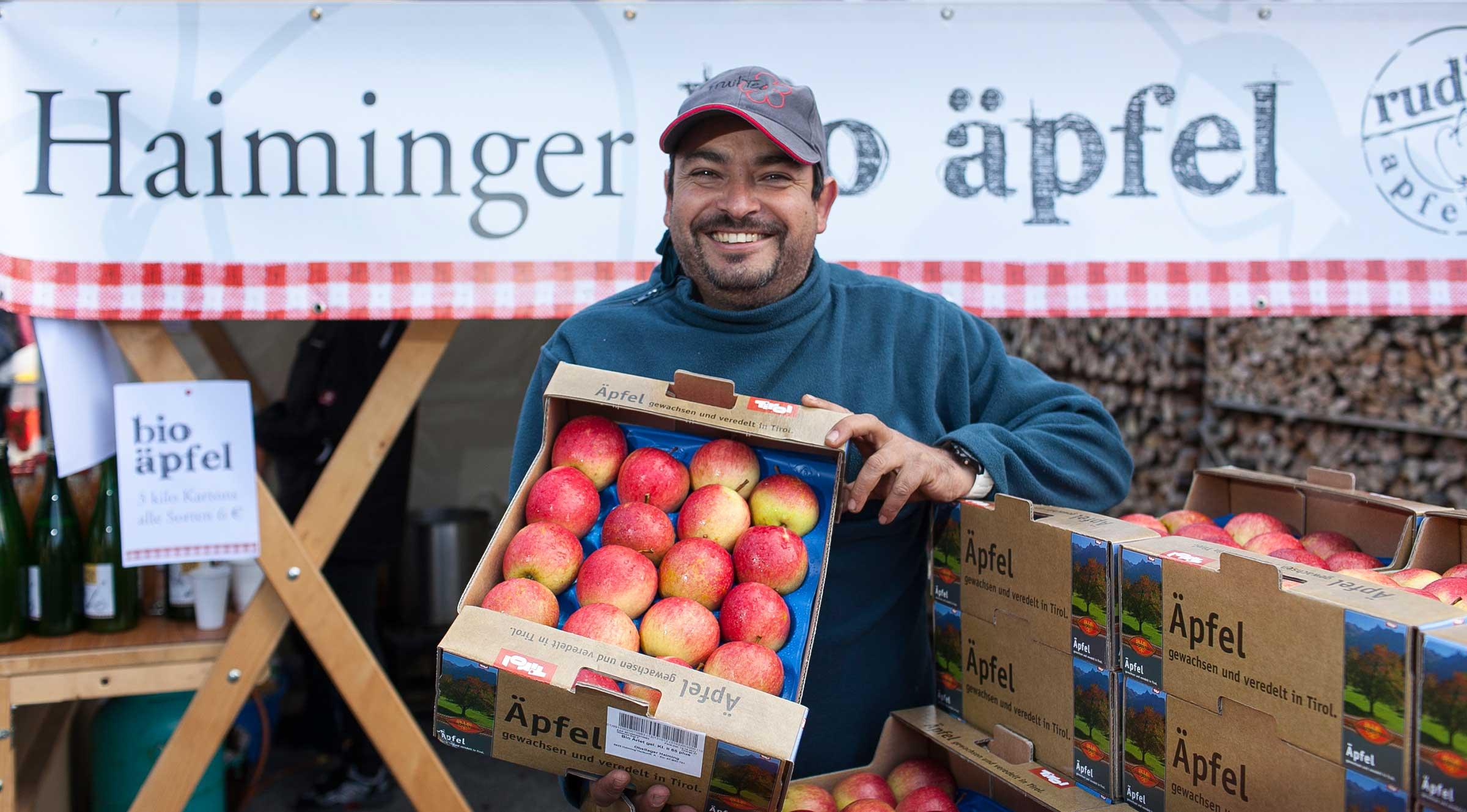 Obstbauer bei den Haiminger Markttagen - Herbsturlaub Haiming
