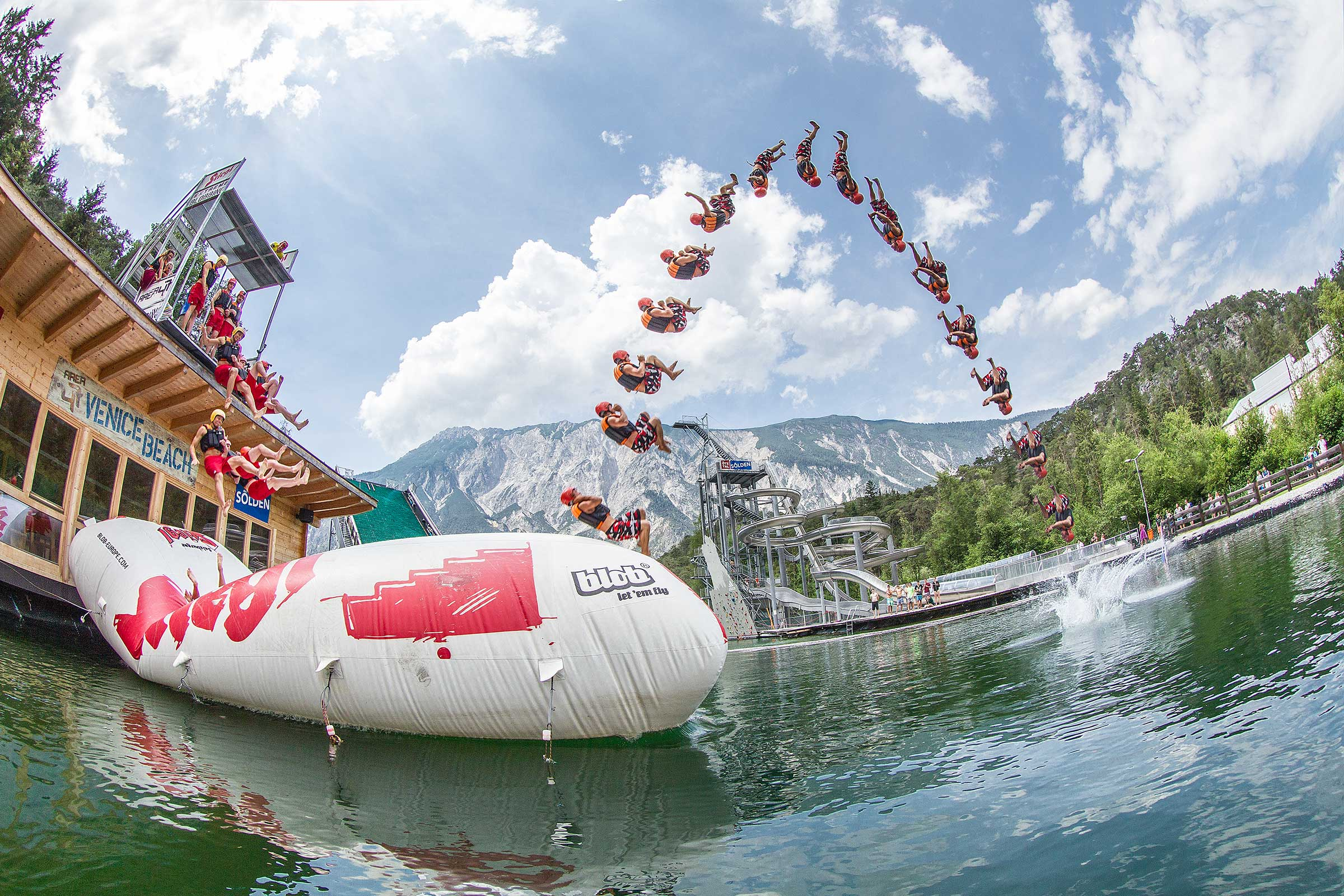 Blobbing in der AREA 47 - Rafting & Canyoning Ötztal