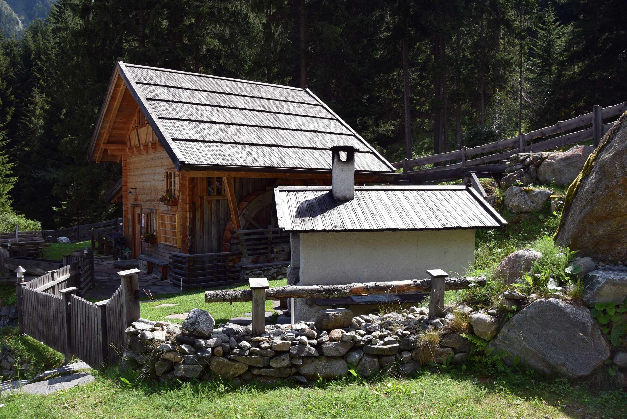 Getreidemühle am Campingplatz Huben - Brot selbst backen im Ötztal