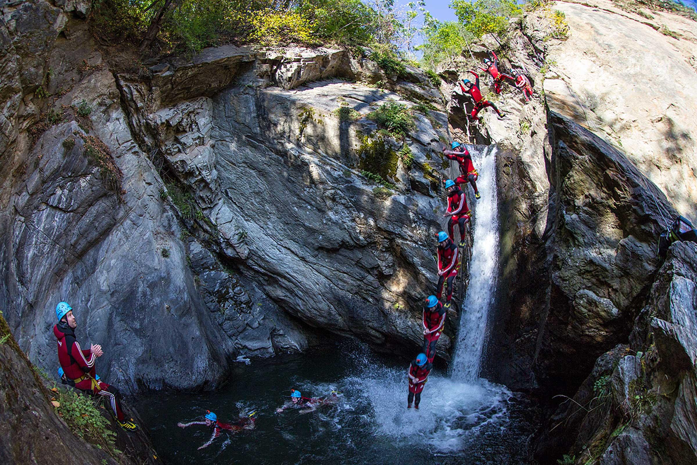Sprung beim Canyoning - Rafting & Canyoning Ötztal