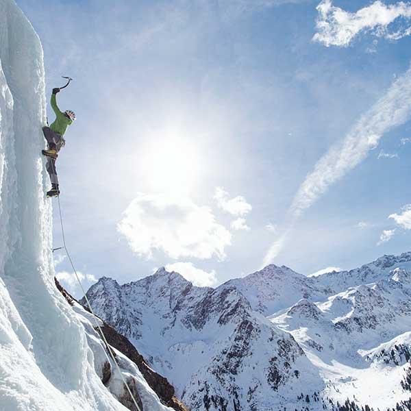 Hansjörg Auer beim Eisklettern - Abschied von den Besten