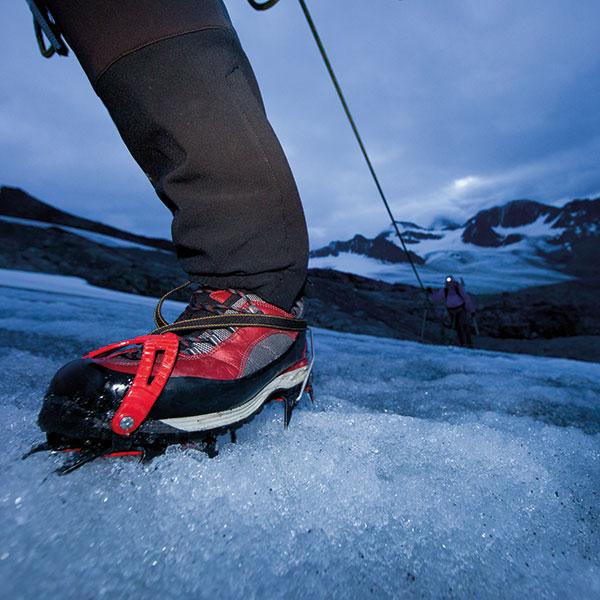 Steigeisen bohren sich ins ewige Eis - Ötztaler Gletscher